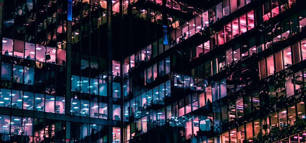 infraestructura de red en edificio de empresa